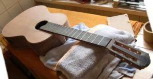 Подготовка поверхности для покрытия гитары лаком