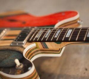Гитара из старых скейтов: покатался, дай поиграть