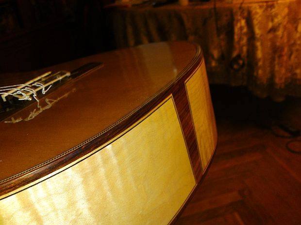 Изготовление классическай гитары. Корпус - клен. Дека - ель