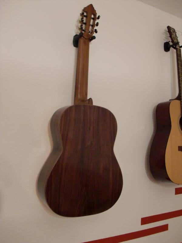 Классическая гитара изготовление. Корпус - инд. палисандр. Дека - ель.( Michael. Германия)